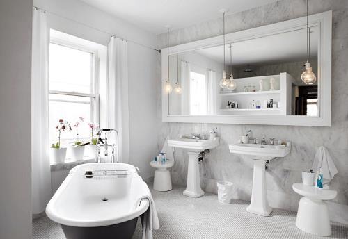 sử dụng gương trong nhà tắm